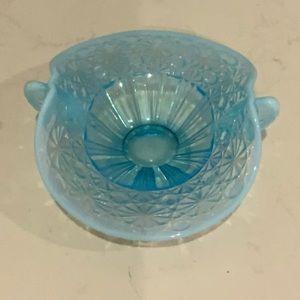 BEAUTIFUL VINTAGE GLASS STUNNING